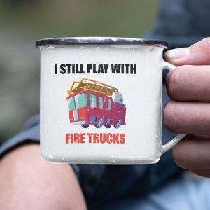 Kubek emaliowany I still play with fire trucks